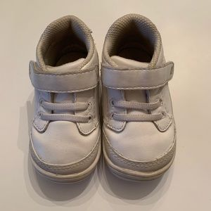 Stride Rite Leather Shoes. Size 4.